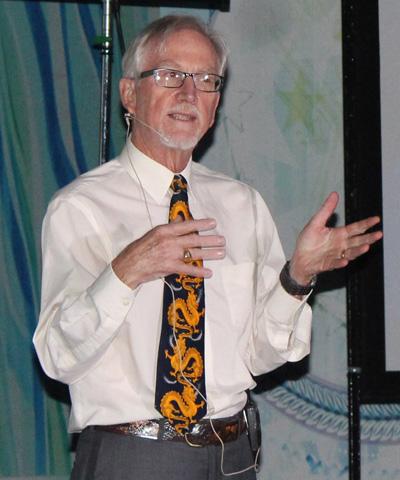 Giáo sư Michael Castengera- giảng viên cao cấp Đại học Tổng hợp Georgia (Hoa Kỳ)