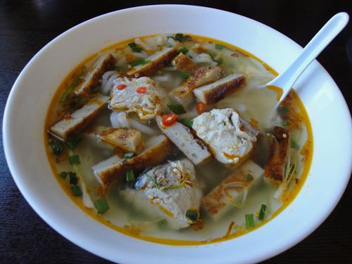 Banh canh cha ca Nha Trang 1