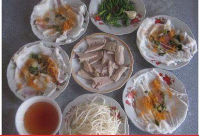 """Bánh ướt Diên Khánh rất """"được lòng"""" thực khách."""