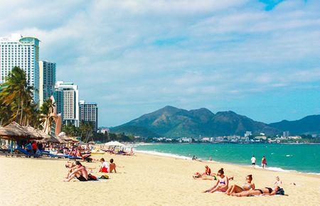 Nha Trang có bãi biển đẹp hấp dẫn du khách Nga.