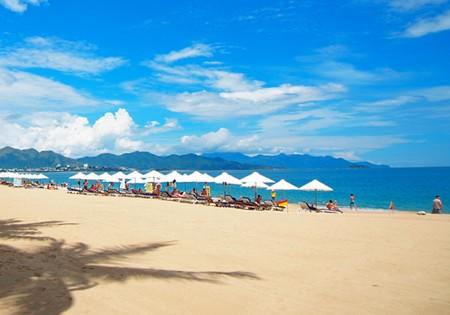 Vào những ngày đầu năm thời tiết đẹp rất thích hợp để đi du lịch Nha Trang.