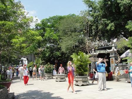Buôn bán hàng rong ở Nha Trang giảm rõ rệt nhờ lực lượng TNXK.