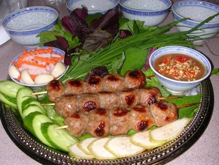 Nem nướng đặc sản nổi tiếng của Nha Trang.