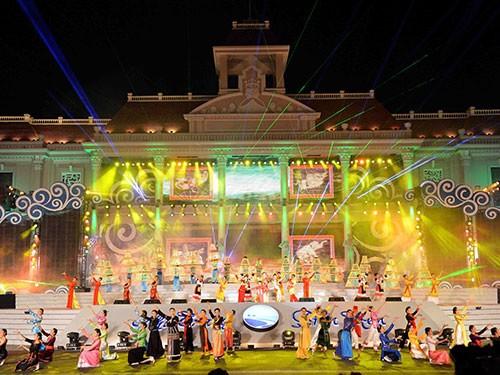 Festival Biển Nha Trang được tổ chức 2 năm một lần vào năm lẻ.