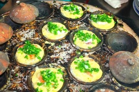Bánh căn- Đặc sản nên nếm thử khi đến Nha Trang.